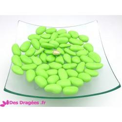 Dragées amande vert anis, déclassées