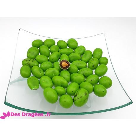 Dragées amande Avola enrobées de chocolat et de praliné, vert pistache, déclassées