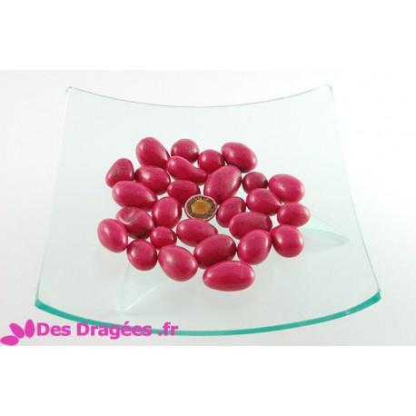 Dragées amande enrobées de giandujine, fuchsia, déclassées